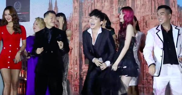 Nathan Lee vừa hát vừa quậy tưng, còn kéo cả dàn mẫu Next Top lên sân khấu nhảy cùng mình