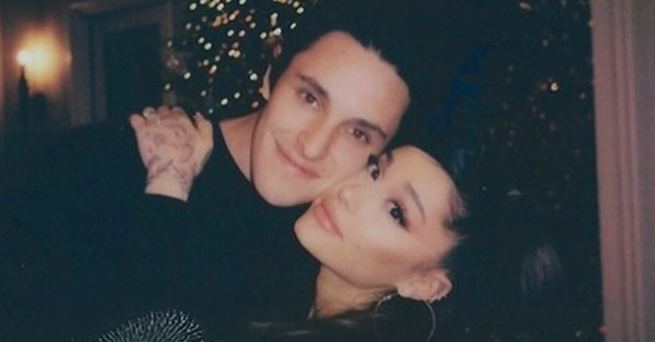 No.1 hot search Weibo: Ariana Grande chính thức kết hôn với bạn trai doanh nhân bất động sản