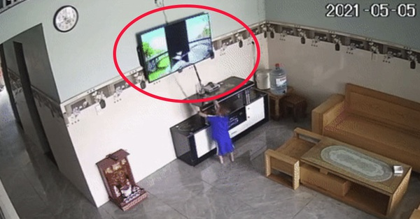 Con trai liên tiếp đập hỏng 2 chiếc TV, ông bố ngậm ngùi:
