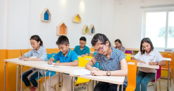 Một trường THCS dự định cộng 20 điểm đầu vào cho học sinh có có IELTS 3.0, chuyên gia giáo dục chỉ ra: Luyện IELTS từ sớm là làm hại trẻ