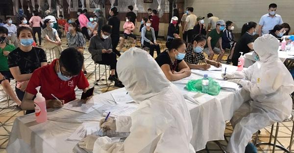 Nóng: CDC Hà Nội ghi nhận đã có 42 ca dương tính SARS-CoV-2 tại 15 tỉnh, thành phố liên quan đến Bệnh viện Bệnh nhiệt đới trung ương cơ sở 2