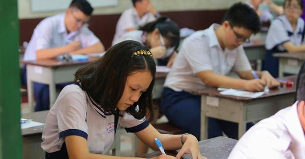 TP. HCM phải hoàn thành kiểm tra học kỳ II trước 9/5: Học sinh vắt chân lên cổ ôn thi, phụ huynh vừa lo vừa thở phào vì