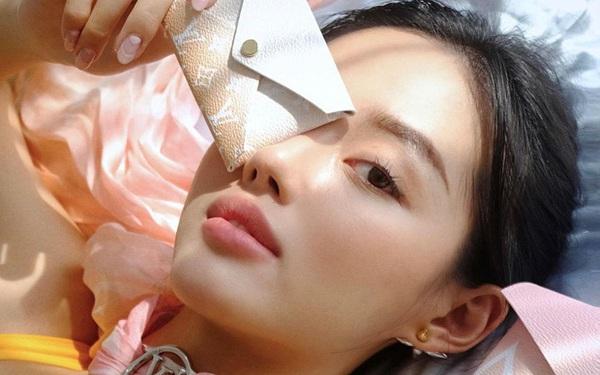 3 sản phẩm tẩy da chết Khánh Linh khuyên dùng để da mướt rượt, lỗ chân lông nhỏ tin hin