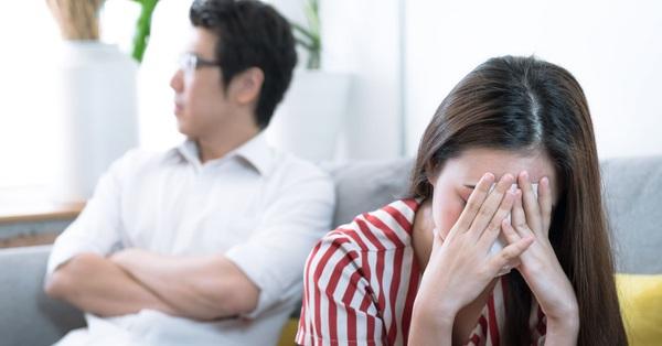 Trước khi vợ lên bàn mổ, chồng cầm tay tôi và nói lời an ủi cảm động, ngờ đâu một thời gian sau anh ta thay đổi hoàn toàn