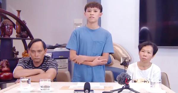 NÓNG: Hồ Văn Cường quay clip khoanh tay cúi đầu xin lỗi, khẳng định bị người xấu dụ dỗ