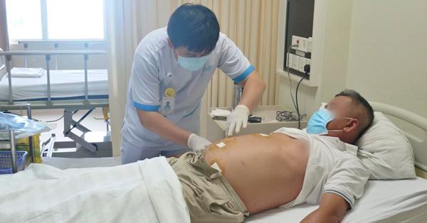 Bệnh nhân viêm ruột thừa nặng từ Long An lên TP.HCM cấp cứu được bác sĩ