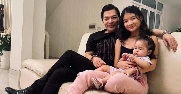 Trần Bảo Sơn lần đầu khoe ảnh con gái lớn chung khung hình với em gái cùng cha khác mẹ