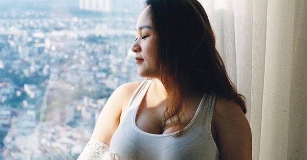 Diva Thanh Lam xúc động thông báo con gái mang thai, khoe ảnh bụng bầu vượt mặt