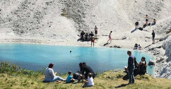 Thoạt nhìn là hồ nước đẹp tựa tiên cảnh nhưng lại mệnh danh là nơi nguy hiểm bậc nhất nước Anh,