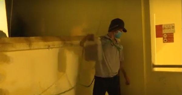 Mang xăng vào trụ sở UBND phường đốt 2 chiếc ô tô để trả thù vì bị nhắc nhở phòng dịch