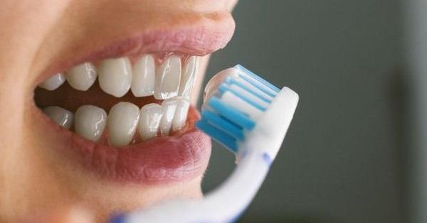 Chuyên gia chỉ ra cách ngăn ngừa virus xâm nhập răng miệng, trong mùa dịch COVID-19 người dân càng nên