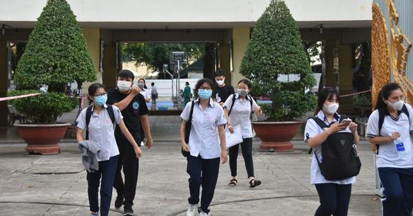 NÓNG: Sở GD-ĐT TP HCM đề xuất xét đặc cách tốt nghiệp cho 3.234 thí sinh thi đợt 2