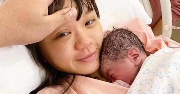 Muôn kiểu phản ứng của các ông chồng khi vợ ra khỏi phòng sinh: Người nói lời xúc động, người làm vợ cười muốn