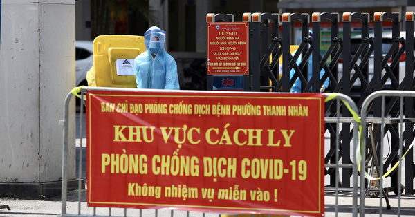 Bệnh viện Phổi Hà Nội ngay lúc này: Siết chặt cách ly y tế, khẩn trương lấy mẫu xét nghiệm