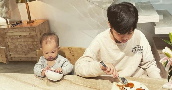 Subeo và em gái Lisa ngồi ăn cùng nhau cực đáng yêu, riêng Leon lại