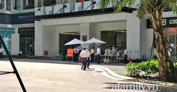 Hà Nội: Một tòa nhà tại Times City tạm dừng hoạt động vì 2 ca nghi mắc COVID-19