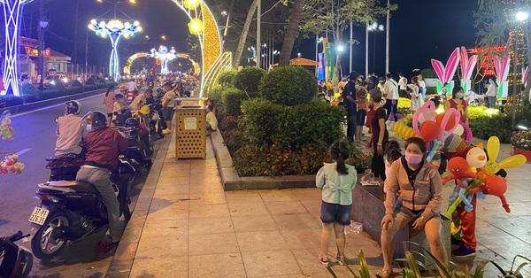 NÓNG: Từ ngày 28/7, người dân Bình Dương không được ra đường sau 18 giờ