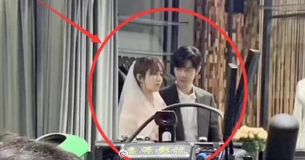 Quãng đời còn lại xin chỉ giáo nhiều: Lộ cảnh đám cưới của Dương Tử - Tiêu Chiến, nhà trai nhìn nhà gái cực tình