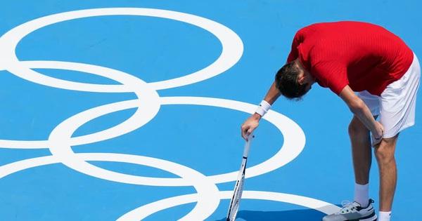 Ngôi sao quần vợt sợ chết vì phải thi đấu vào giữa trưa