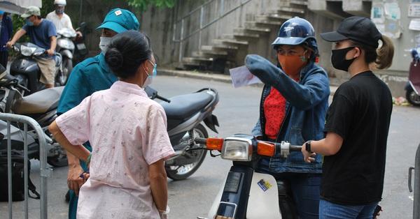 Hà Nội: Trước khi cùng vợ