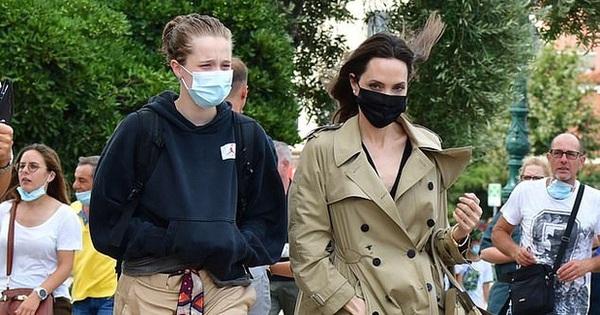 Bị chụp ảnh khi đang đi dạo cùng con gái lớn, Angelina Jolie vẫn sang chảnh bất chấp