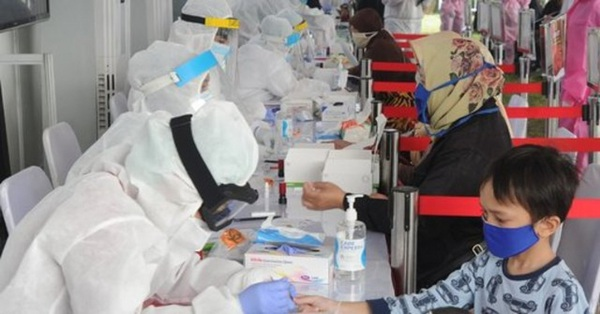 Indonesia tăng tốc tiêm vaccine bảo vệ trẻ em trước đại dịch Covid-19