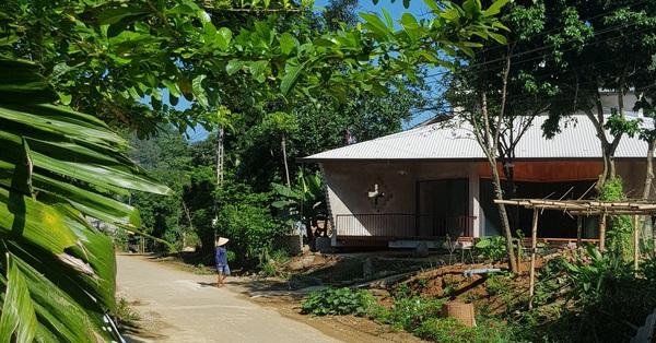 Ngôi nhà mát rượi dưới nắng gắt mùa hè nhờ thiết kế mái hai tầng và ống khói 3 mét ở Thanh Hóa