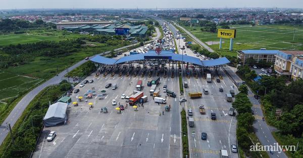 Hà Nội: Tuyệt đối không để người dân di chuyển khỏi thành phố
