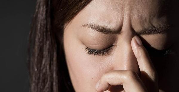 7 dấu hiệu khẳng định cơn đau đầu của bạn hết sức bất thường