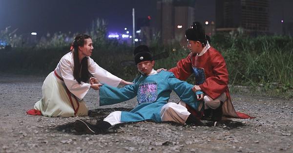 Táo Quân chính thức vào mùa: Táo Quậy Hứa Minh Đạt vừa xuất hiện đã bị đánh bầm dập