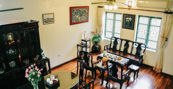 Ngôi nhà ở phố cổ Hà Nội đẹp như một bức tranh hoài niệm về quá khứ, tạo nên cảm giác yên bình và vô cùng lãng mạn