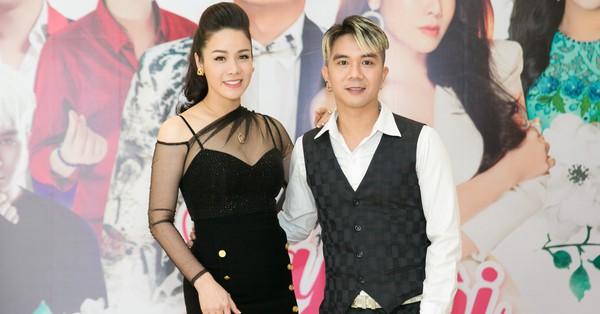''Mẹ một con'' Nhật Kim Anh diện váy cắt xẻ, tình tứ bên Khánh Đơn