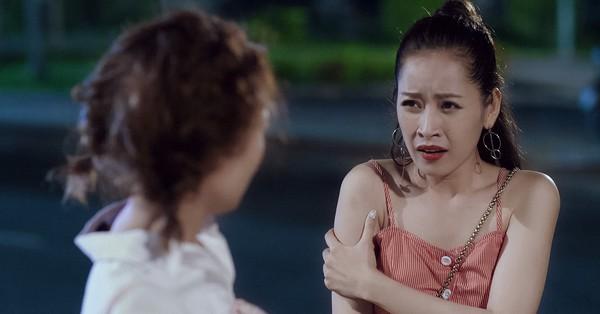 ''Mối tình đầu của tôi'': Chi Pu bị Lan Ngọc mắng té tát vì hôn trai lạ ngoài đường