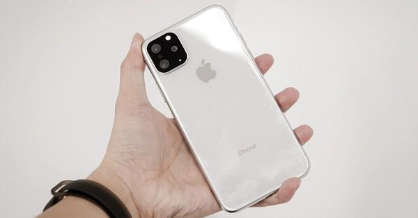 """20/10 chị em không được tặng iPhone 11 Pro cũng chẳng sao, mua miếng nhựa giả camera này dán lên là ai cũng trầm trồ tưởng hàng """"xịn"""""""