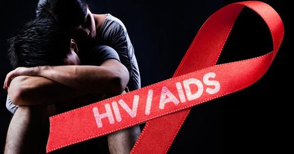 Sống chung với HIV: Phát hiện mình mang HIV là một thử thách vô cùng khó khăn và điều cực kỳ quan trọng là hãy nói cho người có quan hệ tình dục với bạn biết bạn có HIV