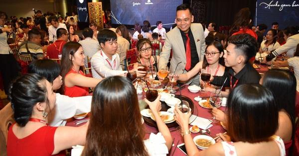 Hơn 600 khách hàng tham dự dạ tiệc tri ân khách hàng của SeoulSpa
