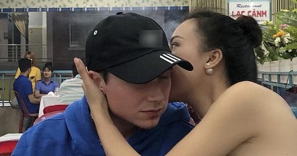 Sau đám cưới bắt gặp Hoàng Oanh cùng chồng Tây ôm hôn tình tứ trong quán ăn