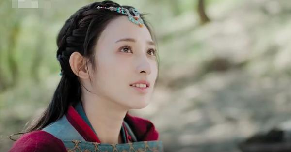 ''Đông Cung'': Nữ chính Bành Tiểu Nhiễm đẹp thì có đẹp, nhưng chỉ biết trợn mắt trong tất cả cảnh quay