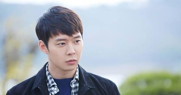 ''Hoàng tử gác mái'' Park Yoo Chun tiếp tục bị kiện vì tấn công tình dục