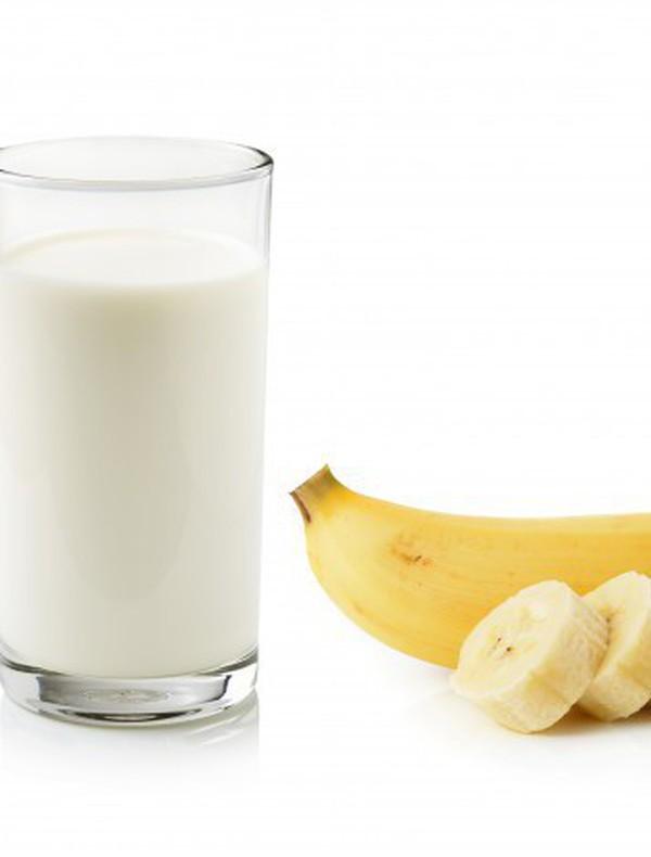 Những lợi ích không ngờ của sữa và chuối với sức khỏe