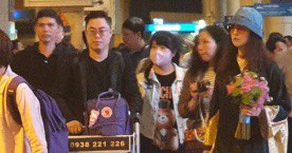 Mỹ nhân Hong Kong một thời - Châu Hải My xuất hiện giản dị và chớp nhoáng tại sân bay Tân Sơn Nhất