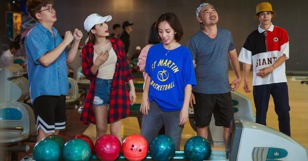 Thu Trang tận tình dạy Sam chơi bowling, chứng minh...