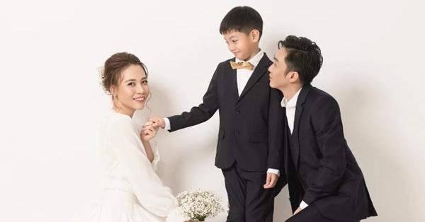 Trước thềm đám cưới Cường Đôla, con trai Subeo ''tự túc'' bay từ Mỹ về sau kỳ nghỉ hè dài