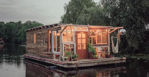 Độc đáo kiến trúc nhà nổi trên sông, vừa nghỉ ngơi ngắm mây trời mà vẫn có thể làm việc được