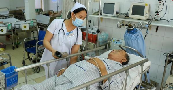 Những nữ điều dưỡng khoa Cấp cứu: Vác bụng bầu vào chăm sóc bệnh nhân còn bị rượt đuổi, có người áp lực đến sảy thai