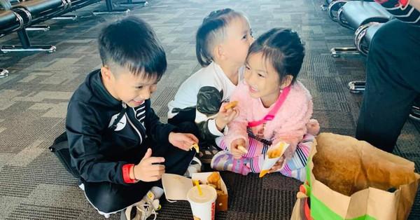 Ốc Thanh Vân bày tỏ sự áy náy, day dứt khi phải bỏ 3 con nhỏ để đi mang niềm vui cho người khác