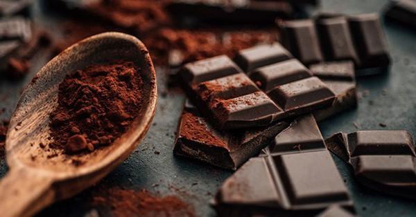 Mỗi ngày ăn 1 miếng sô cô la đen: Cơ thể đón nhận 7 lợi ích hiếm có khó tìm, điều số 6 sẽ khiến chị em phát cuồng