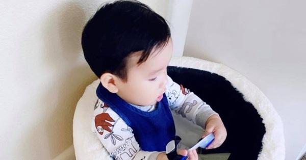 Phạm Hương lại khoe con trai mới hơn 1 tuổi nhưng đã biết làm điều khiến mẹ tự hào này