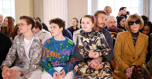 Harper Beckham xinh đẹp với thần thái sang chảnh hút mọi ánh nhìn khi dự sự kiện cùng cha và anh trai