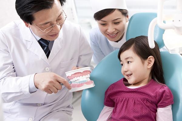Để trẻ thích thú tìm hiểu vệ sinh răng miệng 1